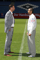 10.05.2011, Imtech Arena, Hamburg, GER, WBO und IBF WM, Wladimir Klitschko vs David Haye, Presse Conference, im Bild Box champions David Haye and Wladimir Klitschko during the photocall for the boxing heavyweight unification fight Wladimir Klitschko vs. David Haye at Imtech Arena. EXPA Pictures © 2011, PhotoCredit: EXPA/ EXPA/ Newspix/ Future Images +++++ ATTENTION - FOR AUSTRIA/(AUT), SLOVENIA/(SLO), SERBIA/(SRB), CROATIA/(CRO), SWISS/(SUI) and ..SWEDEN/(SWE) CLIENT ONLY +++++ / SPORTIDA PHOTO AGENCY