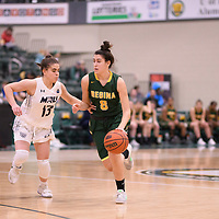 1st year guard Carolina Goncalves (8) of the Regina Cougars during the Women's Basketball home game on January 6 at Centre for Kinesiology, Health and Sport. Credit: Arthur Ward/Arthur Images