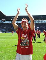 2. Fussball Bundesliga:  Saison  2010/2011    33. Spieltag  FC Augsburg - FSV Frankfurt     08.05.2011 AUGSBURG JUBEL NACH DEM AUFSTIEG IN DIE ERSTE 1. BL JUBEL nach dem SIEG Michael Thurk (FC Augsburg)