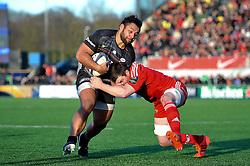 Billy Vunipola of Saracens takes on the Munster defence - Photo mandatory by-line: Patrick Khachfe/JMP - Mobile: 07966 386802 17/01/2015 - SPORT - RUGBY UNION - London - Allianz Park - Saracens v Munster - European Rugby Champions Cup