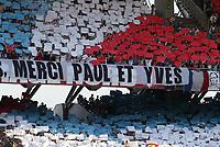 Fotball<br /> Frankrike<br /> 28.05.2005<br /> Foto: Dppi/Digitalsport<br /> NORWAY ONLY<br /> <br /> OLYMPIQUE LYON v OGC NICE<br /> <br /> LYON FANS CELEBRATE PAUL LE GUEN