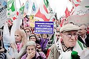 ROMA. FOLLA DI MANIFESTANTI IN PIAZZA DEL POPOLO IN OCCASIONE DELLA MANIFESTAZIONE CONTRO IL DECRETO SALVA LISTE DEL GOVERNO BERLUSCONI PER LE ELEZIONI REGIONALI 2010