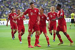 04.05.2013, Signal Iduna Park, Dortmund, GER, 1. FBL, Borussia Dortmund vs FC Bayern Muenchen, 32. Runde, im Bild Mario GOMEZ (FC Bayern Muenchen - 33) bejubelt sein Tor zum 1-1 Ausgleich mit RAFINHA (FC Bayern Muenchen - 13) - David ALABA (FC Bayern Muenchen - 27) - Anatoliy TYMOSHCHUK (FC Bayern Muenchen - 44) - Xherdan SHAQIRI (FC Bayern Muenchen - 11) // during the German Bundesliga 32th round match between Borussia Dortmund and FC Bayern Munich at the Signal Iduna Park, Dortmund, Germany on 2013/05/04. EXPA Pictures © 2013, PhotoCredit: EXPA/ Eibner/ Gerry Schmit..***** ATTENTION - OUT OF GER *****