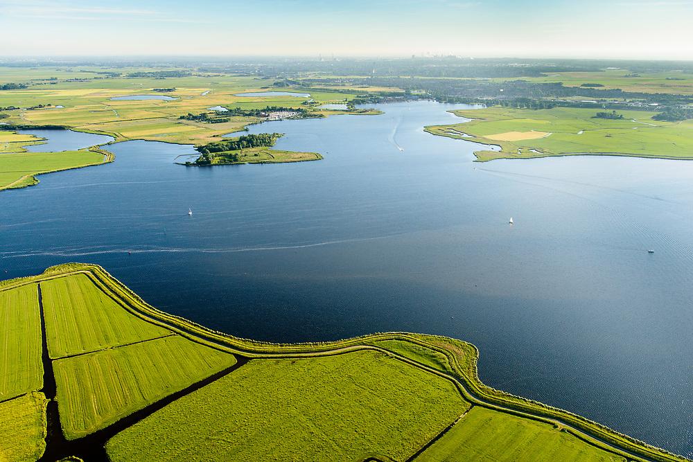 Nederland, Noord-Holland, Gemeente Castricum, 13-06-2017; Alkmaardermeer met Akersloot.<br /> Village at lake Alkmaar.<br /> <br /> luchtfoto (toeslag op standard tarieven);<br /> aerial photo (additional fee required);<br /> copyright foto/photo Siebe Swart