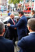 Mannheim. 19.09.17 | SPD-Kanzlerkandidat Martin Schulz im Capitol Mannheim.<br /> Im Wahlkampf zur Bundestagswahl unterstützt Kanzlerkandidat Martin Schulz Mannheims SPD Bundestagsabgeordneter Stefan Rebmann.<br /> - Martin Schulz wird bei der Ankunft begrüßt.<br /> <br /> BILD- ID 2414 |<br /> Bild: Markus Prosswitz 19SEP17 / masterpress (Bild ist honorarpflichtig - No Model Release!)