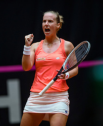 09-02-2019 NED: Fed Cup Netherlands - Canada, Den Bosch<br /> The Netherlands loses on the first day of Canada during the first round of the Tennis FedCup. The Dutch FedCup team plays after four years at home and is 2-0 behind / Richel Hogenkamp