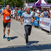 NLD/Amsterdam/20180701 - Evers staat op Run 2018, finish Dries Roelvink