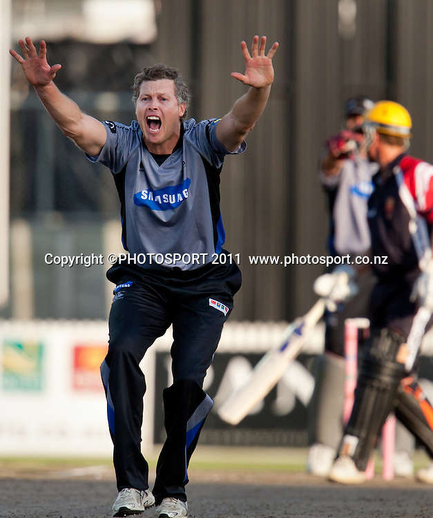 Paul Wiseman appeals successfully for the wicket of Murray Goodwin during the Titans International Twenty20 Cricket, Samsung NZCPA Masters XI v Australia, Seddon Park, Hamilton, New Zealand, Thursday 24 February 2011. Photo: Stephen Barker/PHOTOSPORT