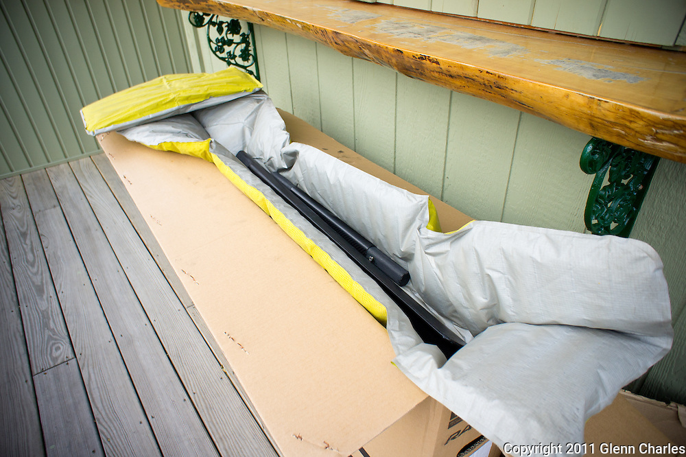 The beauty of the 3 piece Northern Light GP paddle is the ability to break it down and ship it.  Here I pack up my 3 piece with my Salsa Fargo for shipping.