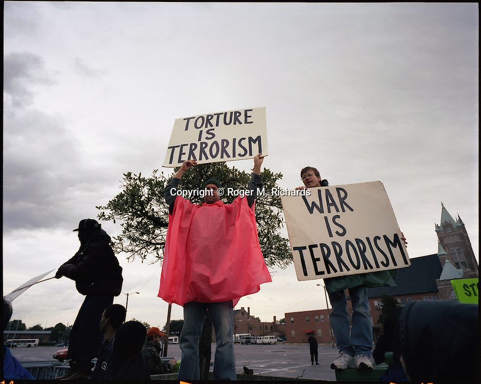 Protesters against the US war and occupation of Iraq, Norfolk, Virginia, 2005. Photograph by Roger M. Richards