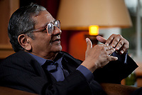31 MAY 2010, BERLIN/GERMANY:<br /> Jagdish Natwarlal Bhagwati, indischer Oekonom und Professor fuer Politik und Wirtschaft an der Columbia University, waehrend einem Interview, Bibiothek der American Academy<br /> IMAGE: 20100531-02-003<br /> KEYWORDS: Jagdish Bhagwati, Ökonom