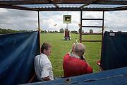 Nederland, Millingen aan de Rijn, 27-7-2003..Koningsschieten bij de schuttersvereniging O.E.V.-1 Orde, Eendracht, Vreugde. Traditie, folklore, cultuur. historie, gilde, schutterij..Foto: Flip Franssen/Hollandse Hoogte