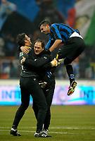L'esultanza di Francesco Toldo (Inter) a fine partita<br /> Milano 28/01/2010 Stadio Giuseppe Meazza San Siro<br /> Inter Juventus - Quarti di Finale di Coppa Italia Tim Cup 2009-10.<br /> Foto Giorgio Perottino / Insidefoto