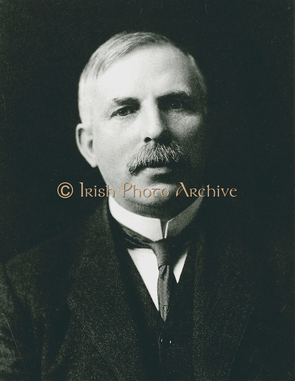 Ernest RUTHERFORD (1871-1937) New Zealand atomic physicist, Nobel prize for chemistry 1908. Photograph