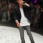 NLD/Amsterdam/20130713 - AFW 2013 Zomer, modeshow Supertrash Girls, optreden Monsif