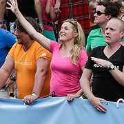NLD/Amsterdam/20120804 - Canalparade tijdens de Gaypride 2012, Lucille Werner en partner Servaas Snoeijer (links)