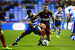 Cole Skuse of Ipswich Town under pressure from Garath McCleary of Reading - Mandatory by-line: Jason Brown/JMP - 09/09/2016 - FOOTBALL - Madejski Stadium - Reading, England - Reading v Ipswich Town - Sky Bet Championship