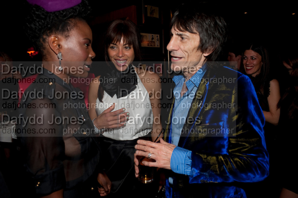 SHINGAI SHONIWA ( NOISETTES; ANA ARAUJO; RONNIE WOOD,  DSquared2 Launch of their Classic collection. Tramp. Jermyn St. London. 29 June 2011. <br /> <br />  , -DO NOT ARCHIVE-&copy; Copyright Photograph by Dafydd Jones. 248 Clapham Rd. London SW9 0PZ. Tel 0207 820 0771. www.dafjones.com.