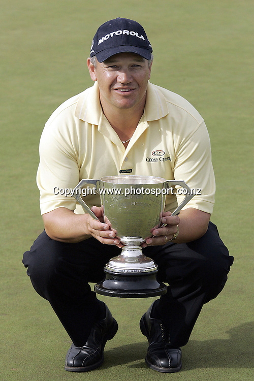 27/2/2005. NZPGA winner aussie Peter O'Malley with the winning spoils at Clearwater in Christchurch on Sunday after he beat Steven Bowditch in a play off. Photosport