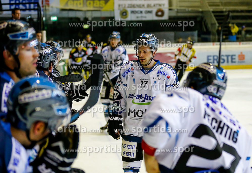 21.11.2014, Messestadion, Dornbirn, AUT, EBEL, Dornbirner EC vs EHC Liwest Black Wings Linz, 19. Runde, im Bild Kevin Macierzynski, (EHC Liwest Black Wings Linz, #17)// during the Erste Bank Icehockey League 19th round match between Dornbirner EC and EHC Liwest Black Wings Linz at the Messestadion in Dornbirn, Austria on 2014/11/21, EXPA Pictures © 2014, PhotoCredit: EXPA/ Peter Rinderer