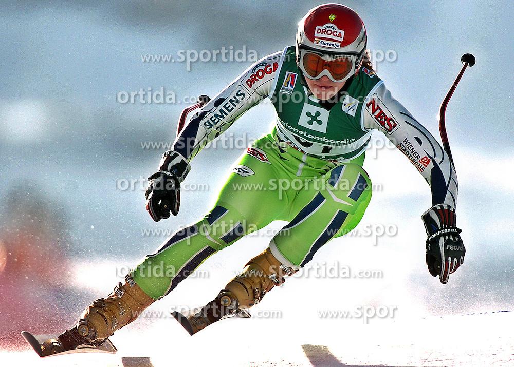 SKI ALPIN: Alpine Ski-WM 2005, Damen, Abfahrt, Training, Bormio, 30.01.2005<br />Tina MAZE (SLO)<br />&copy; pixathlon<br />AUSTRIA OUT!