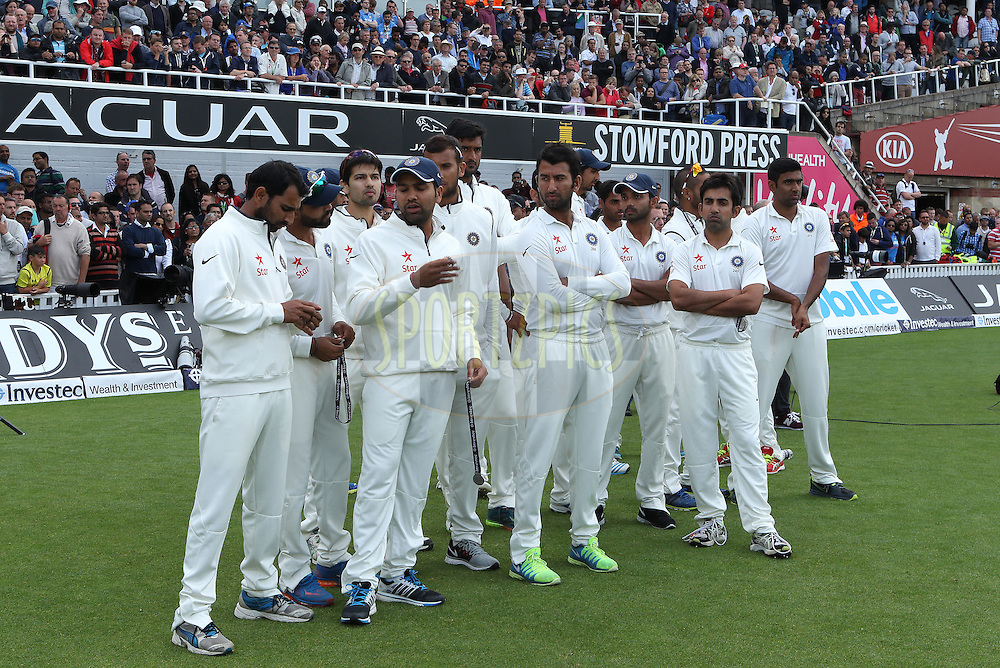 A dejected India after the match during day three of the fifth Investec Test Match between England and India held at The Kia Oval cricket ground in London, England on the 17th August 2014<br /> <br /> Photo by Ron Gaunt / SPORTZPICS/ BCCI