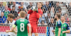 21.06.2016, Parc de Princes, Paris, FRA, UEFA Euro 2016, Nordirland vs Deutschland, Gruppe C, im Bild Manuel Neuer (GER) // Manuel Neuer (GER) during Group C match between Nothern Ireland and Germany of the UEFA EURO 2016 France at the Parc de Princes in Paris, France on 2016/06/21. EXPA Pictures © 2016, PhotoCredit: EXPA/ JFK