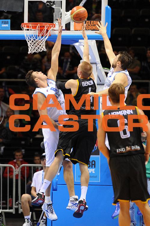 DESCRIZIONE : Siauliai Lithuania Lituania Eurobasket Men 2011 Preliminary Round Italia Germania Italy Germany<br /> GIOCATORE : Danilo Gallinari<br /> SQUADRA : Italia Italy<br /> EVENTO : Eurobasket Men 2011<br /> GARA : Italia Germania Italy Germany<br /> DATA : 01/09/2011 <br /> CATEGORIA : stoppata<br /> SPORT : Pallacanestro <br /> AUTORE : Agenzia Ciamillo-Castoria/G.Ciamillo<br /> Galleria : Eurobasket Men 2011 <br /> Fotonotizia : Siauliai Lithuania Lituania Eurobasket Men 2011 Preliminary Round Italia Germania Italy Germany<br /> Predefinita :