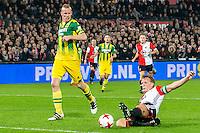 ROTTERDAM - Feyenoord - ADO Den Haag , Voetbal , KNVB Beker , Seizoen 2016/2017 , De Kuip , 14-12-2016 , Feyenoord speler Dirk Kuyt (r) schuift de 3-0 binnen , ADO Den Haag speler Tom Beugelsdijk (l) kan er niets meer aan doen