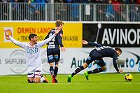 Fotball , 17 Juli , Eliteserien , Kristiansund - Vålerenga , Daniel Fredheim Holm roper på frispark i duell med Christoffer Aasbak<br /> <br />  , Foto: Marius Simensen, Digitalsport
