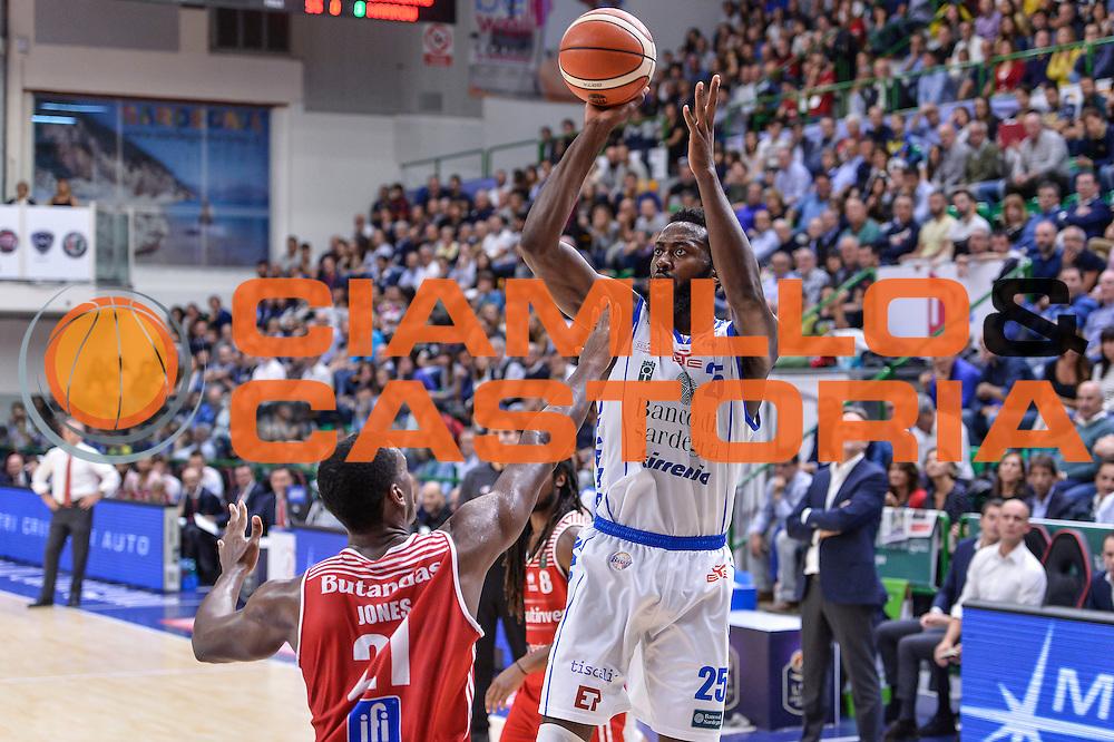 Gabriel Olaseni<br /> Dinamo Banco di Sardegna Sassari - Consultinvest Victoria Libertas Pesaro<br /> Lega Basket Seire A 2016/2017<br /> Sassari 30/10/2016<br /> Foto Ciamillo-Castoria