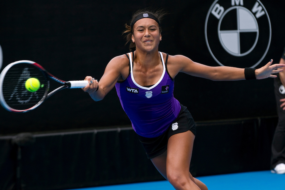 Great Britain's Heather Watson plays Netherlands' Kiki Bertens in round 2 of the singles at the ASB Classic Women's Tennis Tournament, ASB Tennis Arena, Auckland, New Zealand, Wednesday, January 02, 2013.  Credit:SNPA / David Rowland