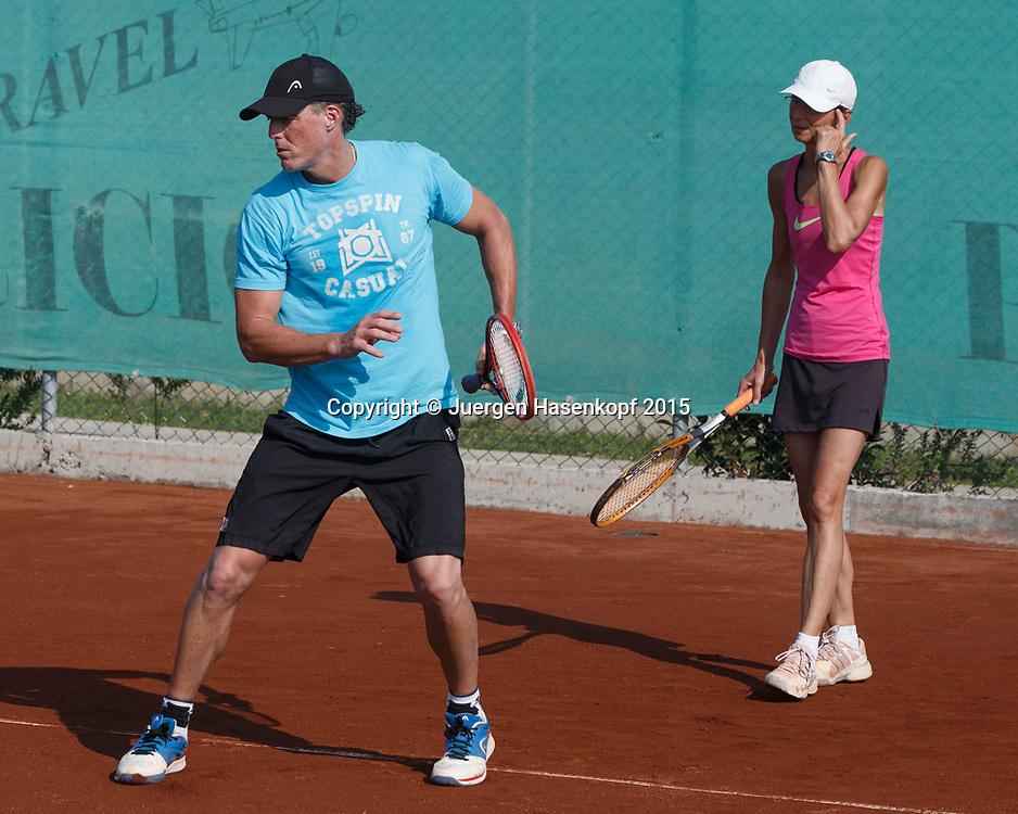 DTB Trainer Dirk Dier trainiert eine LK Trainingsgruppe im Ali Bey Resort, Side,Tuerkei.<br /> <br /> travel -  -  -  Ali Bey Resort Side - Side - Antalya - Tuerkei  - 30 September 2015. <br /> &copy; Juergen Hasenkopf