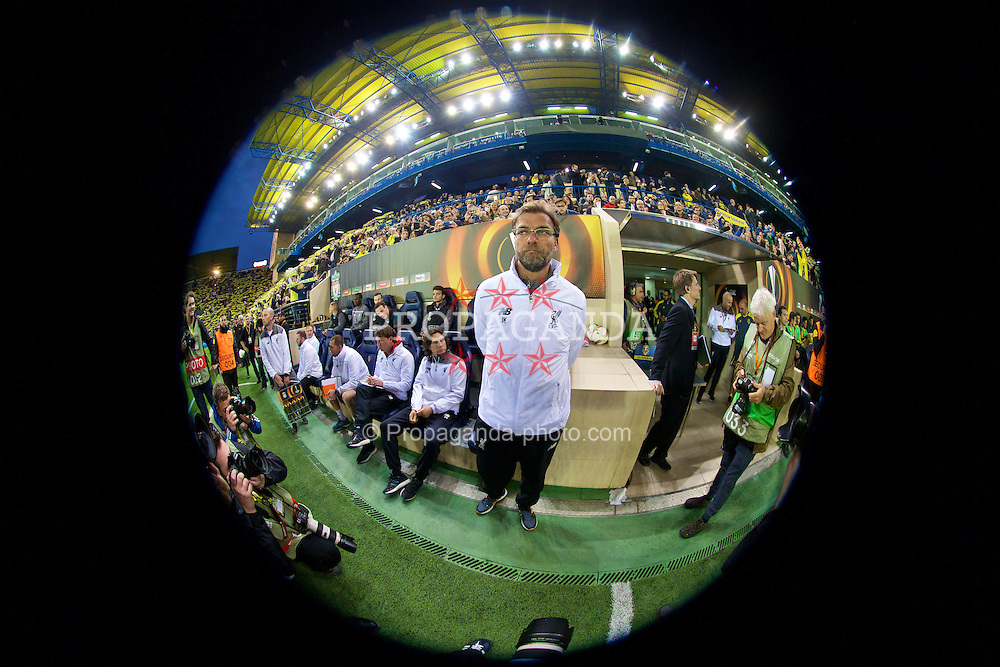 VILLRREAL, SPAIN - Thursday, April 28, 2016: Liverpool's manager Jürgen Klopp before the UEFA Europa League Semi-Final 1st Leg match against Villarreal CF at Estadio El Madrigal. (Pic by David Rawcliffe/Propaganda)
