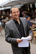 Setbezoek van de romantische komedie Valentino in Escape Amsterdam.<br /> <br /> Op de foto: <br />  Najib Amhali