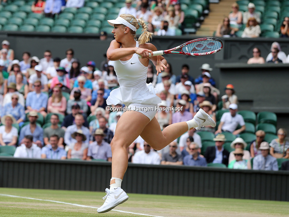 Wimbledon Championships 2014, AELTC,London,<br /> ITF Grand Slam Tennis Tournament,<br /> Sabine Lisicki (GER),Aktion,Einzelbild,<br /> Ganzkoerper,Querformat,