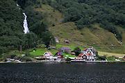 Sognefjorden (Norway)- The longest fjord<br /> <br /> Sognefjorden - El fiordo m&aacute;s largo de Noruega
