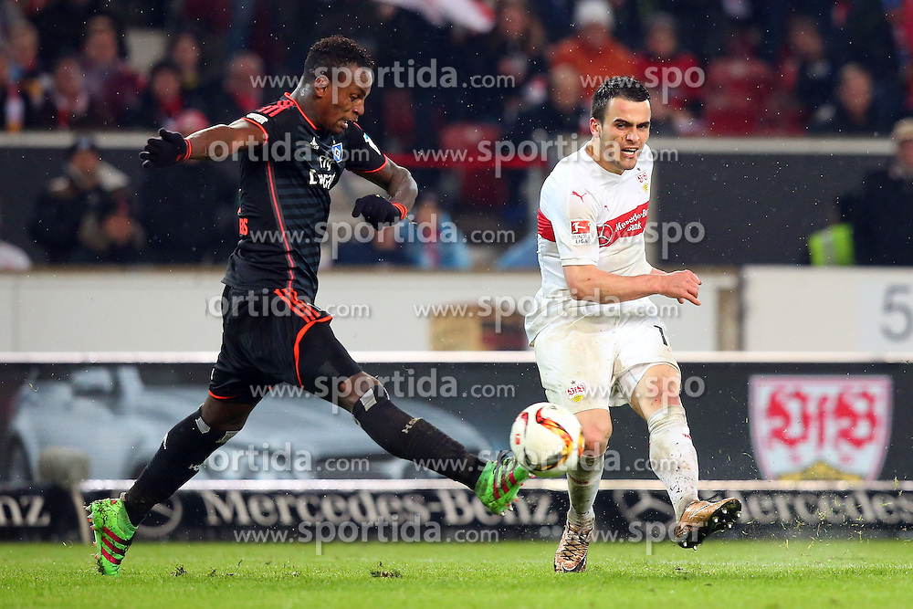 30.12.2015, Mercedes Benz Arena, Stuttgart, GER, 1. FBL, VfB Stuttgart vs Hamburger SV, 19. Runde, im Bild Cleber Janderson Pereira Reis (Hamburger SV) Filip Kostic (VfB Stuttgart) // during the German Bundesliga 19th round match between VfB Stuttgart and Hamburger SV at the Mercedes Benz Arena in Stuttgart, Germany on 2015/12/30. EXPA Pictures © 2016, PhotoCredit: EXPA/ Eibner-Pressefoto/ Langer<br /> <br /> *****ATTENTION - OUT of GER*****