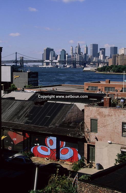 New York elevated view on Manhattan view from Brooklyn  New york  Usa /   Le skyline de Manhattan vu depuis Brooklyn  New york  USA