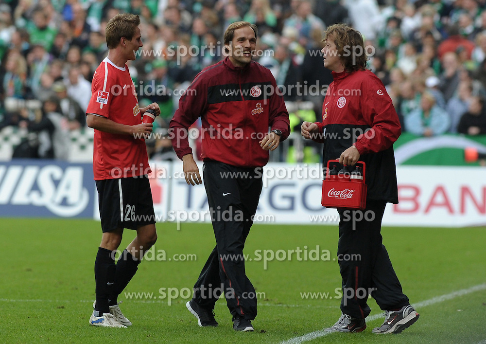18.09.2010, Weserstadion, Bremen, GER, 1. FBL, Werder Bremen vs 1. FSV Mainz 05, im Bild Jubel bei Niko Bungert (Mainz #26, links) und Thomas Tuchel (Trainer 1. FSV Mainz 05) ueber das 2:0   EXPA Pictures © 2010, PhotoCredit: EXPA/ nph/  Frisch+++++ ATTENTION - OUT OF GER +++++ / SPORTIDA PHOTO AGENCY