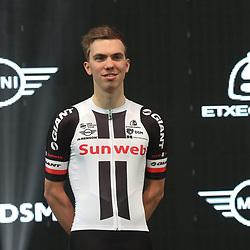 05-01-2017: Wielrennen: Presentatie Sunweb Giant: Rotterdam  <br />MUNSTER (GER) wielrennen<br />Joris Nieuwenhuis