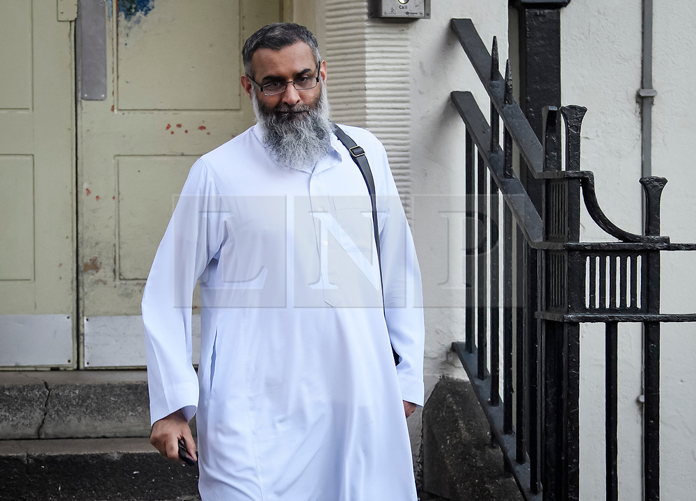 © Licensed to London News Pictures. 21/10/2018. London, UK. Radical preacher ANJEM CHOUDARY is seen leaving a bail hostel on October 21th, 2018, after being released form Prison last week. Photo credit: Ben Cawthra/LNP