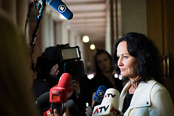 16.05.2017, Parlament, Wien, AUT, Parlament, Treffen zwischen Regierung und Oppositions zur Terminvereinbarung der Neuwahl am 15. Oktober 2017, im Bild Grüne Klubobfrau Eva Glawischnig // Leader of the parliamentary group the greens Eva Glawischnig<br />  during meeting of the National Council of austria with a speech of the federal chancellor regarding to government crisis and new elections at austrian parliament in Vienna, Austria on 2017/05/16, EXPA Pictures © 2017, PhotoCredit: EXPA/ Michael Gruber