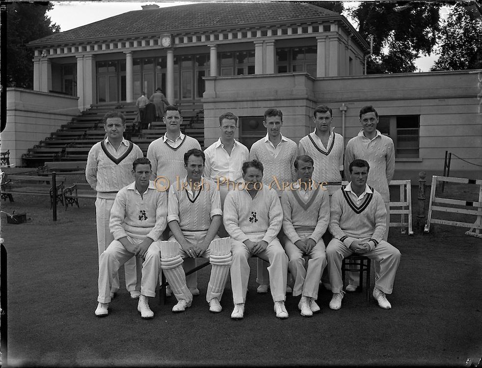 18/07/1958<br /> 07/18/1958<br /> 18 July 1958<br /> Cricket - Ireland vs. New Zealand at College Park, Trinity College, Dublin. The Irish Team.