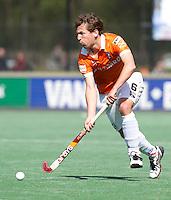 BLOEMENDAAL - HOCKEY - Eby Kessing  van Bl'daal tijdens de play offs hoofdklasse hockeywedstrijd tussen de mannen van Bloemendaal en Rotterdam (1-4) . Rotterdam door naar de finale. FOTO KOEN SUYK