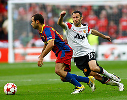 28.05.2011, Wembley Stadium, London, ENG, UEFA CHAMPIONSLEAGUE FINALE 2011, FC Barcelona (ESP) vs Manchester United (ENG), im Bild Barcelona's midfielder Javier Mascherano and Manchester's midfielder Ryan Giggs during the 2011UEFA  Champions League final between Manchester United from England and FC Barcelona from Spain, played at Wembley Stadium London, EXPA Pictures © 2011, PhotoCredit: EXPA/ M. Gunn