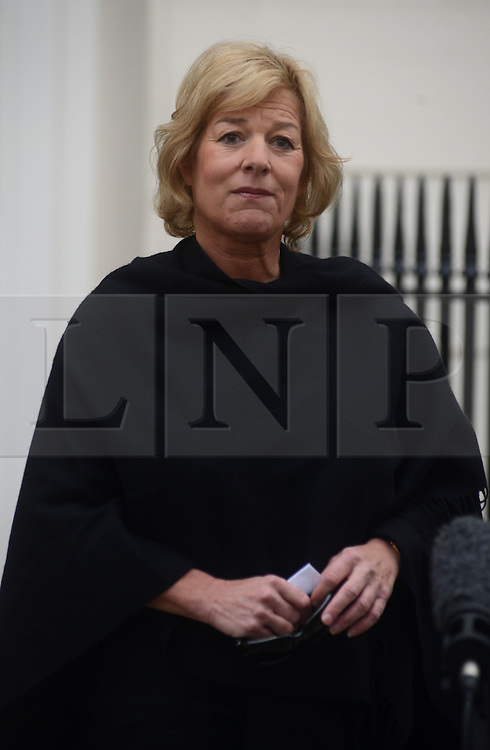 © Licensed to London News Pictures. 13/04/2013. London, UK. Carol Thatcher, daughter of former conservative Prime Minister Margaret Thatcher, who died on 8th April from a stroke, makes a statement to the media outside her mothers house in central London today 13th April 2013. Photo credit : Peter Kollanyi/LNP