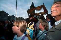 CZECH REPUBLIC PRAGUE AUG97 - Spectators wait for the arrival of Caesar Rudulf II in Prague's Old Town Square.. . . jre/Photo by Jiri Rezac. . © Jiri Rezac 1997. . Tel:   +44 (0) 7050 110 417. Email: info@jirirezac.com. Web:   www.jirirezac.com