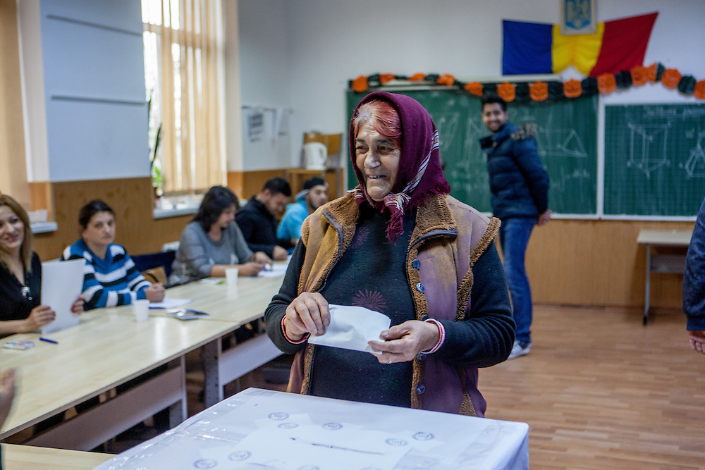 A grandmother from the Roma community in Marginenii de Jos is electing the new Romanian president.