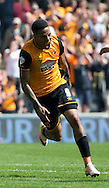 Abel Hernandez of Hull City celebrates after scoring his team's 2nd goal to make it 2-1 during the Sky Bet Championship match at KC Stadium, Hull<br /> Picture by Russell Hart/Focus Images Ltd 07791 688 420<br /> 07/05/2016